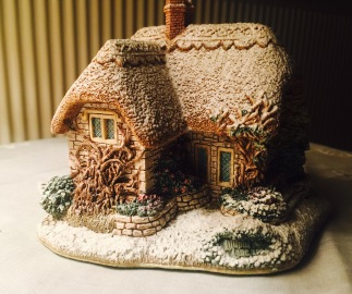 ceramic-cottage